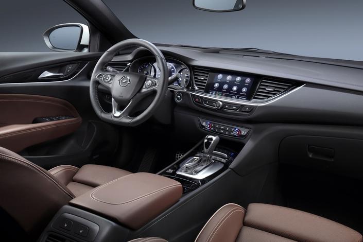 Deux nouveaux systèmes d'infodivertissement pour l'Opel Insignia