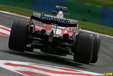 Formule 1 - Crise économique: Toyota perd du liquide mais ne fuit pas