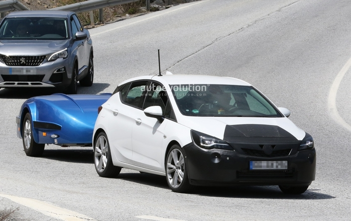 L'Opel Astra restylée prend la lumière