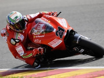 Moto GP - Ducati: Bayliss remettra ça sur la GP9