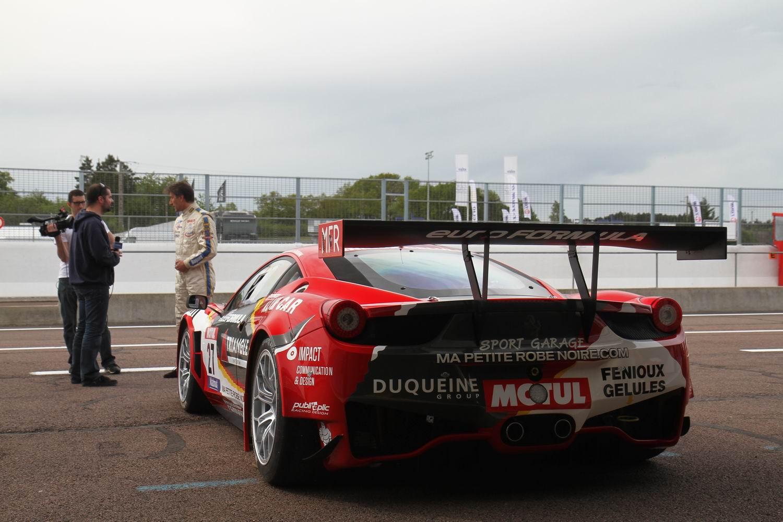 http://images.caradisiac.com/images/8/8/6/7/78867/S0-Exclusif-Caradisiac-essaie-la-Ferrari-458-GT3-sur-le-circuit-de-Dijon-Prenois-264086.jpg