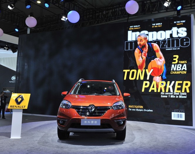 """Renault signe """"TP"""", alias Tony Parker"""