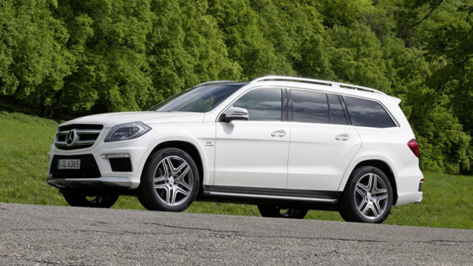 nouveau mercedes gl 63 amg toujours plus. Black Bedroom Furniture Sets. Home Design Ideas