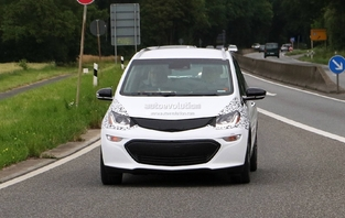 Scoop : la citadine branchée Opel Ampera-e en balade