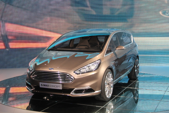 Vidéo en direct du salon de Francfort  2013 - Ford S-Max Concept : lointain !