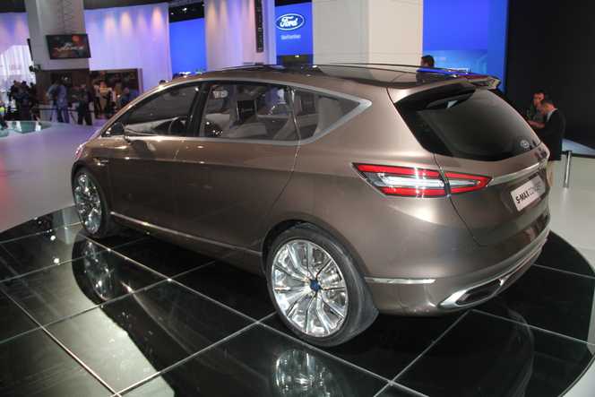 Vidéo en direct du salon de Francfort  2013 - Ford S-Max Concept : lointain !