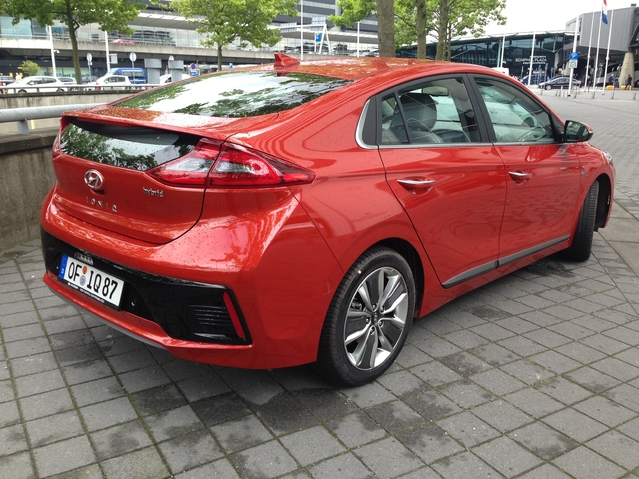 Première vidéo de la Hyundai Ioniq Hybride : découvrez les premières images de l'essai en live