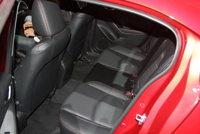 Vidéo en direct du salon de Francfort  2013 - Mazda 3 : une future star