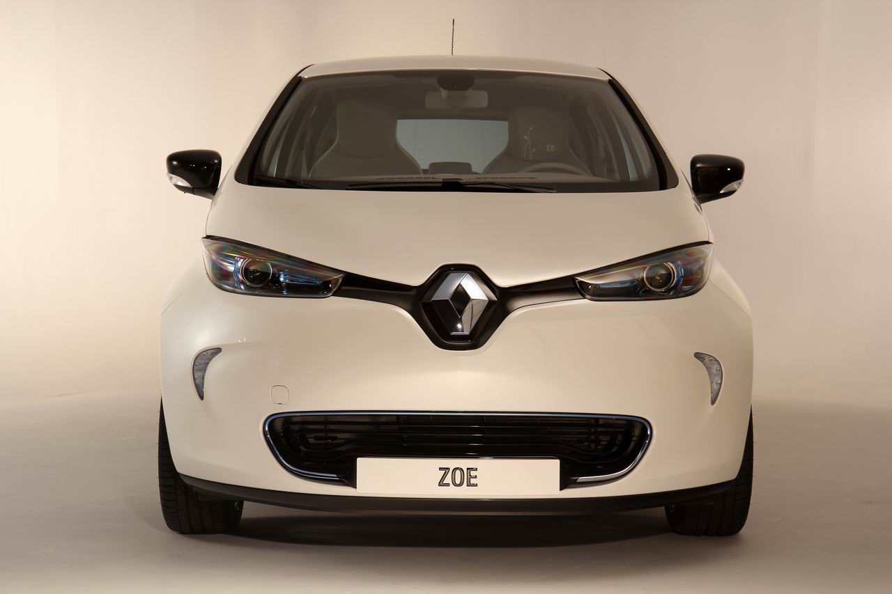 vid o renault zoe bord de la future citadine lectrique fran aise. Black Bedroom Furniture Sets. Home Design Ideas