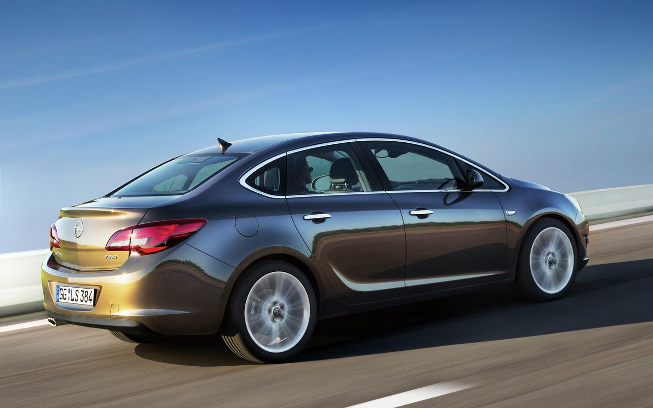 S0-Nouvelle-Opel-Astra-Berline-pas-pour-nous-264351