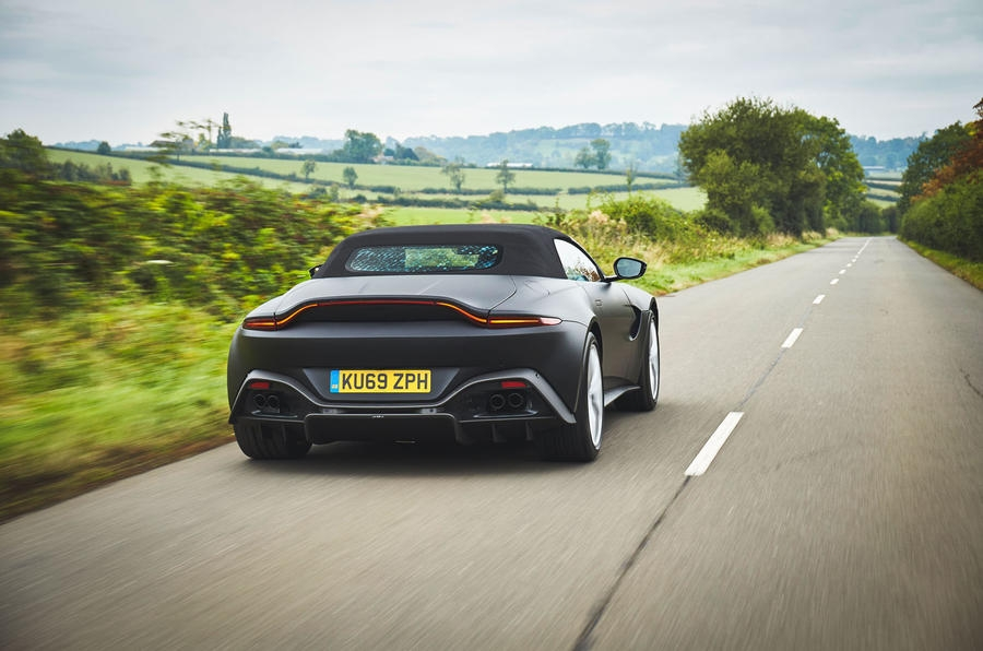 2017 - [Aston Martin] Vantage - Page 4 S0-aston-martin-devoile-les-premieres-images-de-la-vantage-roadster-605492