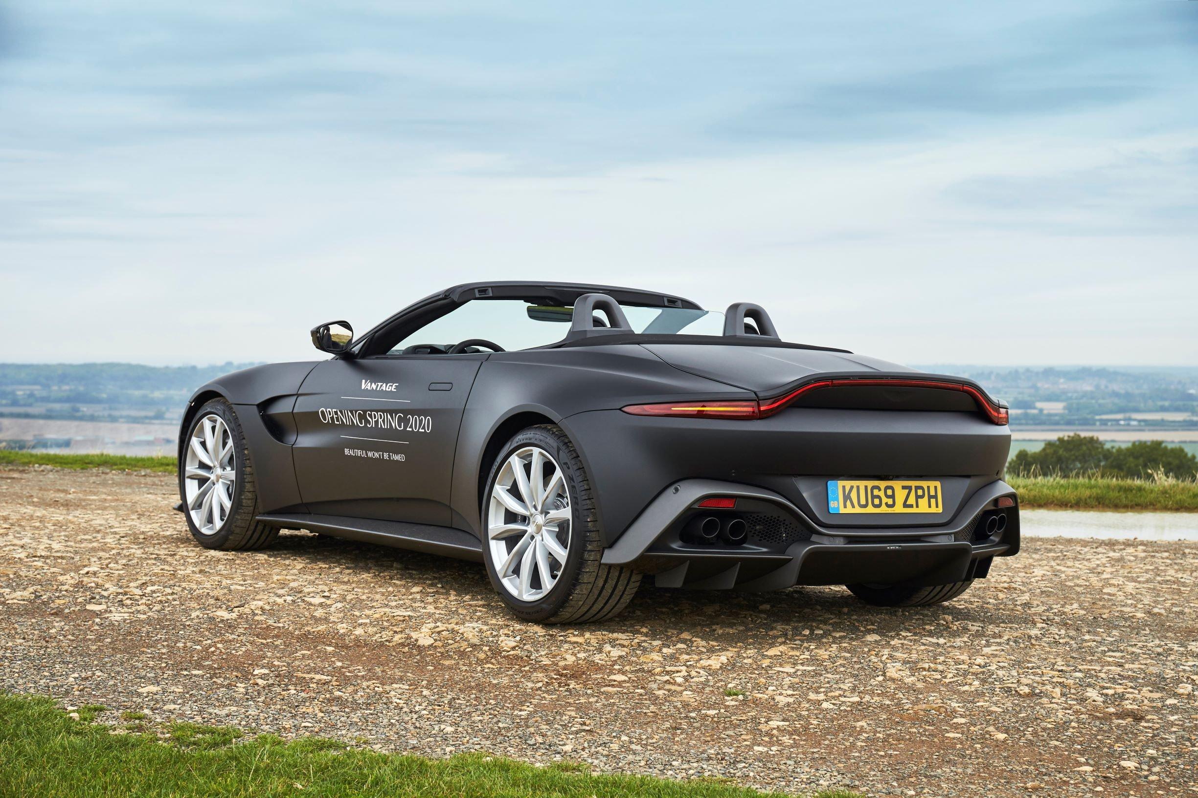 2017 - [Aston Martin] Vantage - Page 4 S0-aston-martin-devoile-les-premieres-images-de-la-vantage-roadster-605493