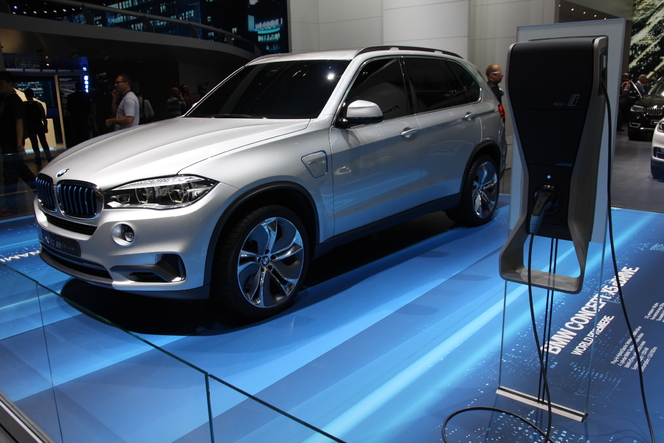 En direct du salon de Francfort 2013 - BMW X5 eDrive, le géant vert