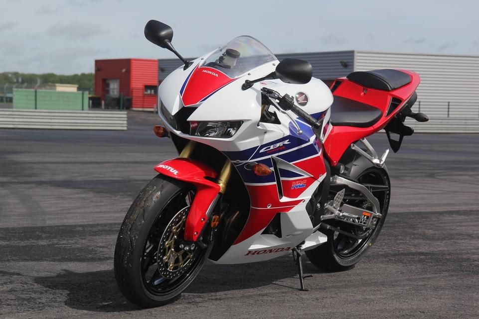 Les essais d'Arnaud Vincent : Honda CBR 600 RR 2013