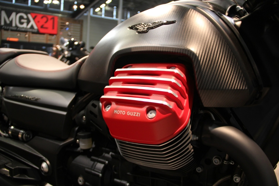 En direct d'Intermot 2016 : Moto Guzzi Audace Carbon