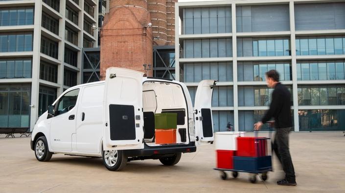 Financement des véhicules utilitaires: LOA, LLD, crédit... quelles solutions?