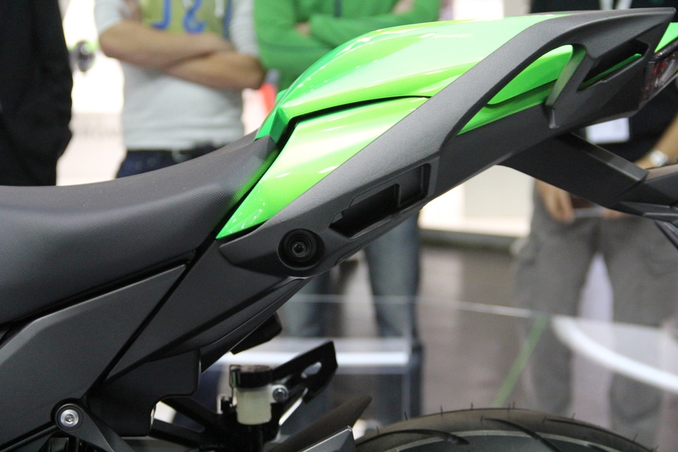 En direct d'Intermot 2016 : Kawasaki Z1000SX