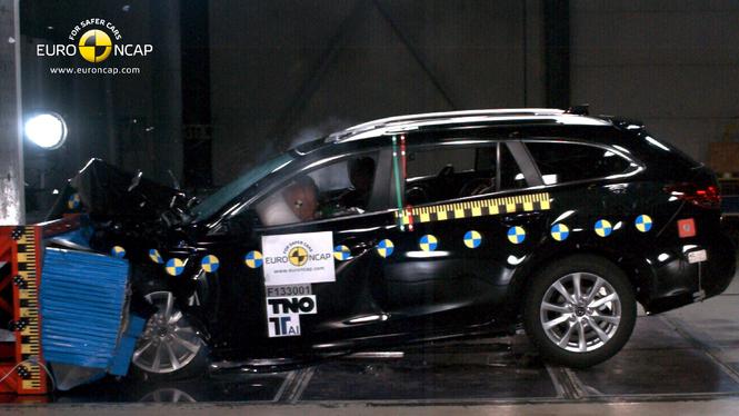 Dernière fournée Euro-NCAP : 5 étoiles pour les Mazda 6 et Lexus IS 300h, 4 pour les autres