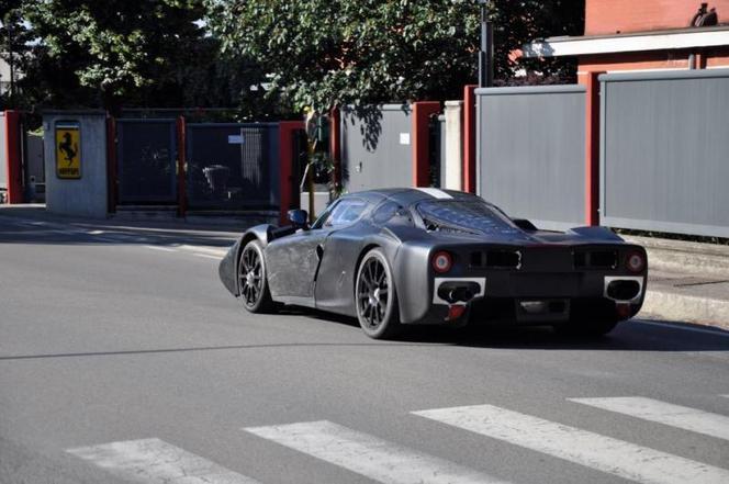 Surprise : la future Ferrari Enzo II beaucoup moins masquée