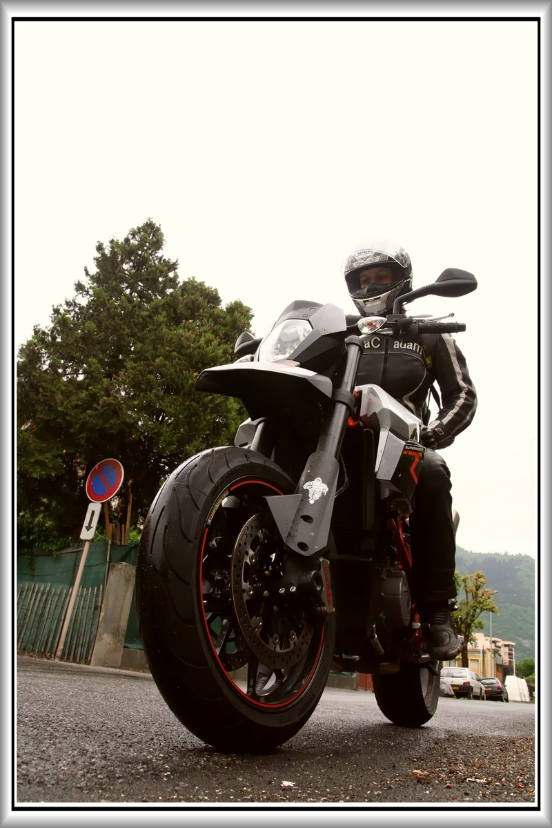 Essai : KTM 990 SM R,  l'Andésine KTM