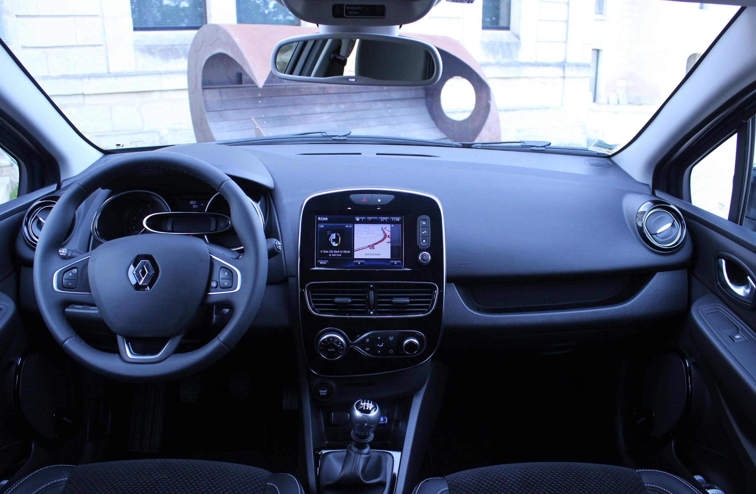 Essai vid o renault clio 4 restyl e confirmation de for Renault clio 4 interieur