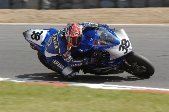 Superbike: Brands Hatch D.1: Martial Garcia donne dans l'entente cordiale.