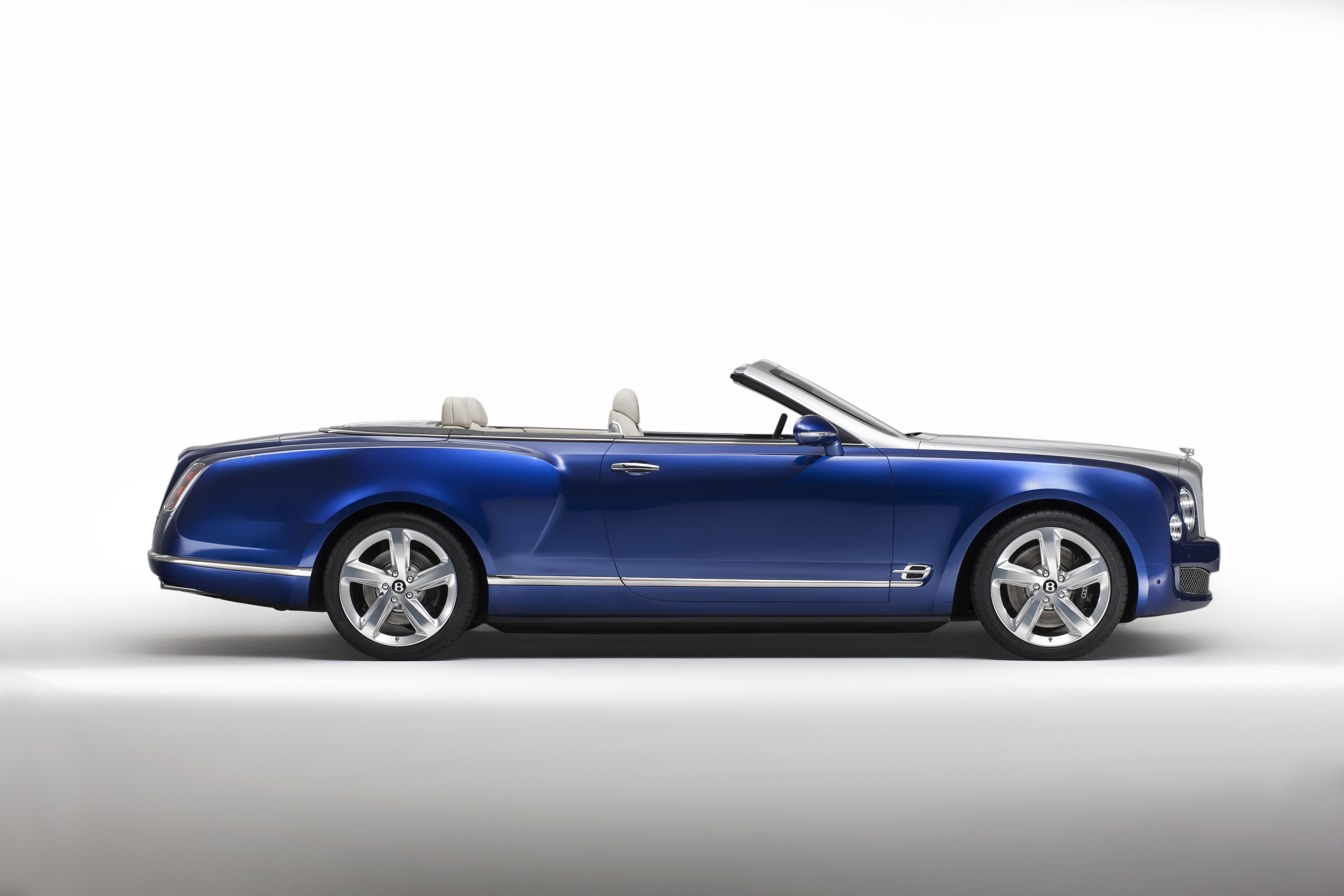 los angeles 2014 bentley vise rolls royce avec son concept grand convertible. Black Bedroom Furniture Sets. Home Design Ideas