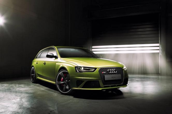 Audi dévoile une RS4 personnalisée par Audi Exclusive