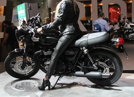 En direct d'Intermot 2016, Triumph: T100 et T100 Black