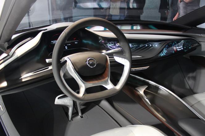 Vidéo en direct du salon de Francfort 2013 - Opel Monza Concept : finalement pas mal