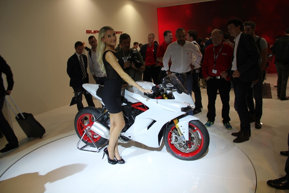 En direct d'Intermot 2016 : Ducati Supersport S