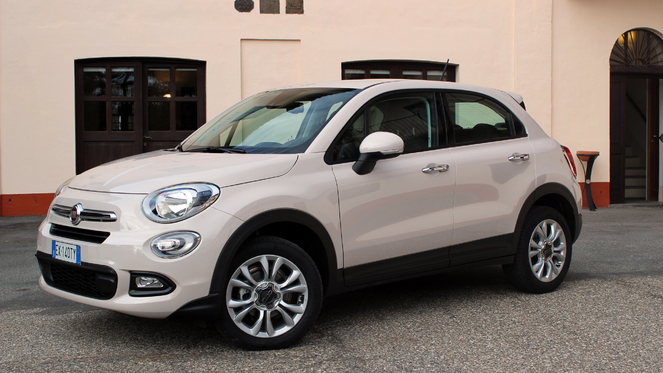 essai vid o fiat 500 x la fashionista enfile les bottes. Black Bedroom Furniture Sets. Home Design Ideas
