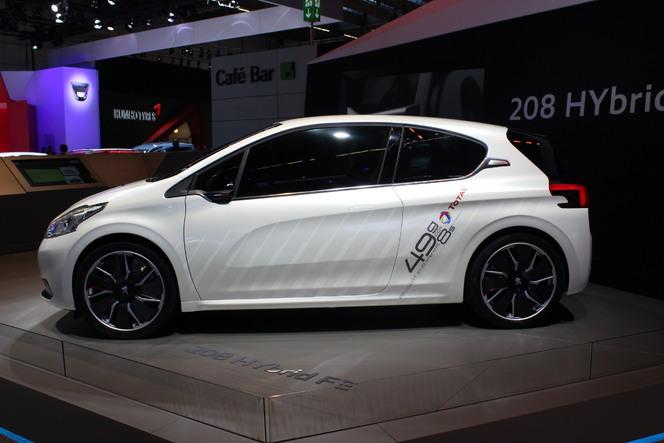 En direct du salon de Francfort 2013 - Peugeot 208 Hybrid FE : quand le futur devient réalité