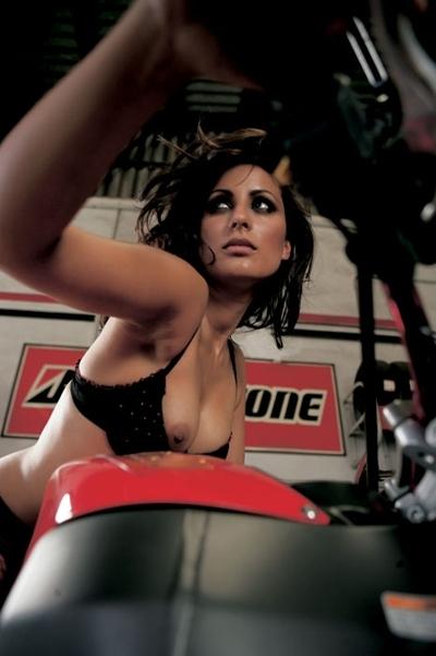 Moto & Sexy : Visite dans mon garage à Buell
