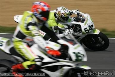 Supersport: Brands Hatch: Parkes vainqueur, Sofuoglu Champion du Monde.