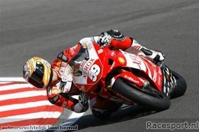 Superstock 1000: Brands Hatch: Canepa console Ducati.