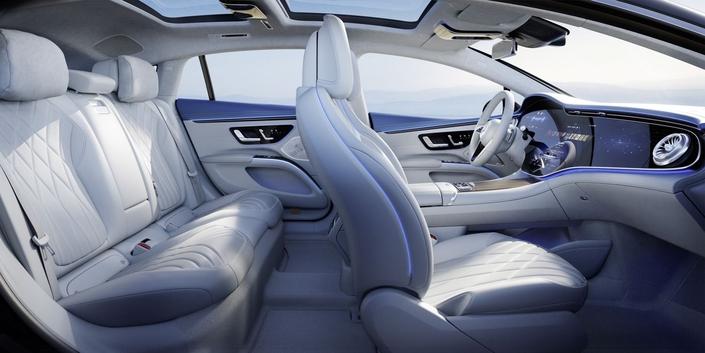 Mercedes EQS: Bienvenido a bordo