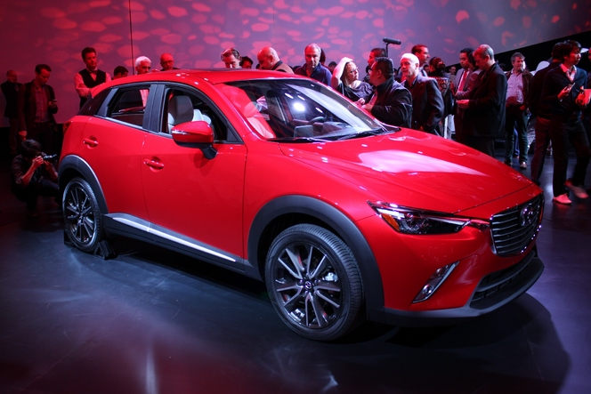 mazda cx 3 le tueur de renault captur et peugeot 2008 en direct du salon de los angeles. Black Bedroom Furniture Sets. Home Design Ideas
