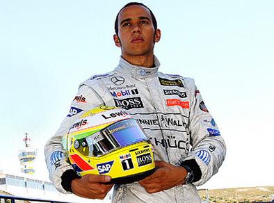 Lewis Hamilton, 22 ans,  sort sa biographie