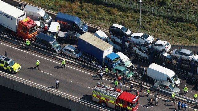 Plus de 100 voitures impliquées dans un carambolage en Angleterre