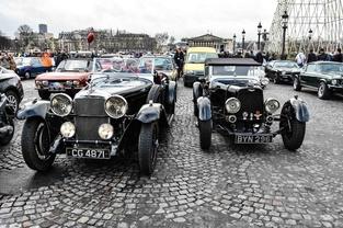 Paris fermé aux vieilles voitures: une mesure très gauche