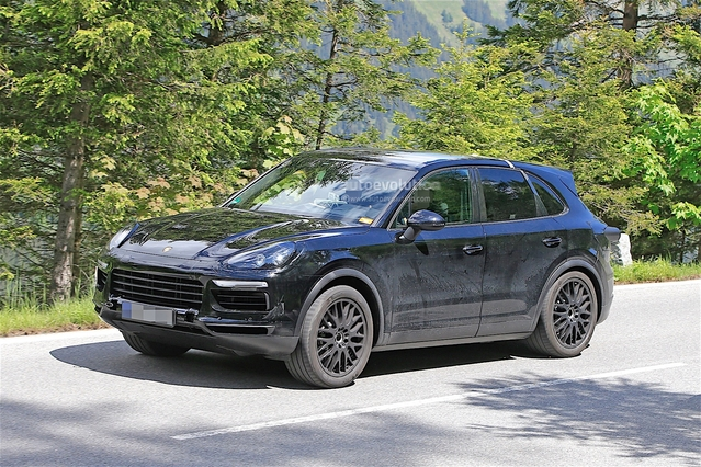 Scoop : le futur SUV Porsche Cayenne prend l'air