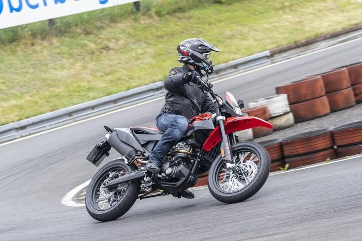 Essai Aprilia SX 125 : racing spirit