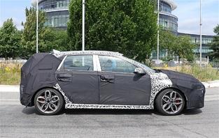 Surprise : la Hyundai i30 N sort en tenue de camouflage