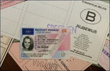 Le permis de conduire européen arrivera en 2012