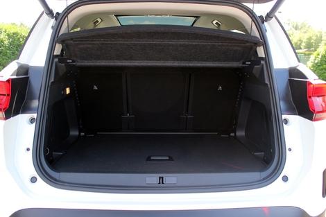 Le coffre est plus généreux pour le C5 Aircross.