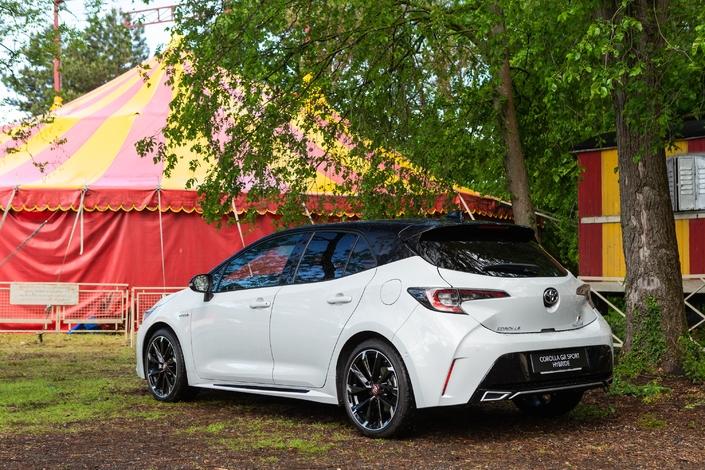 Toyota Corolla: sexy - Salon Caradisiac Electric / Hybrid 2021