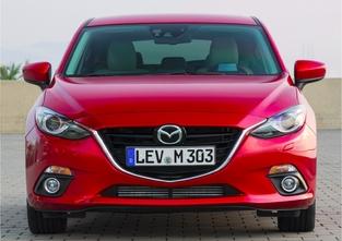 La troisième génération de Mazda 3 a été présentée en septembre 2013.
