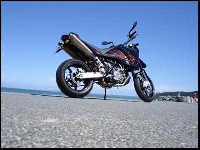 Essai moto : KTM 950 SuperMoto 2007