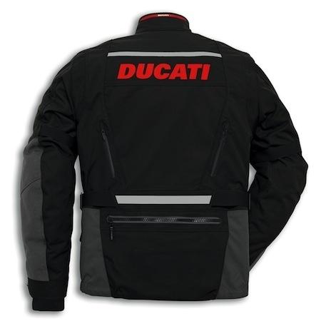 Ducati Strada 2: la veste